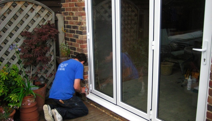 Double Glazing Repairs Steamed Up Windows Broken Glass Units Locks